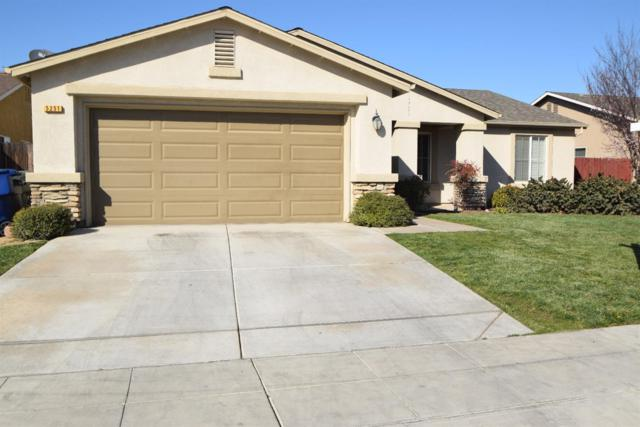 5251 E Hoxie Avenue, Fresno, CA 93725 (#498290) :: FresYes Realty