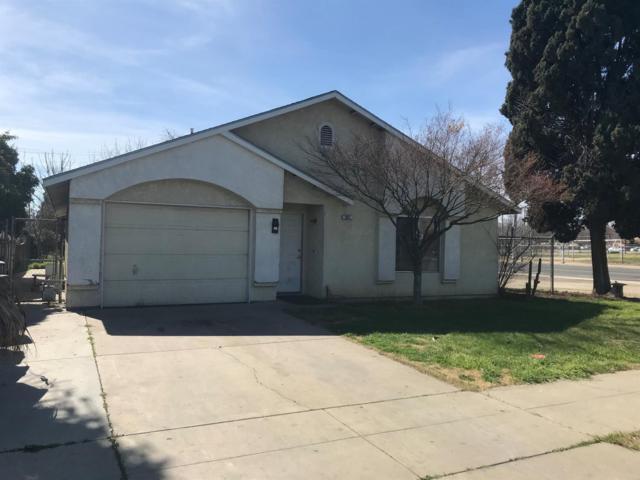 557 C Street, Fresno, CA 93706 (#498468) :: FresYes Realty