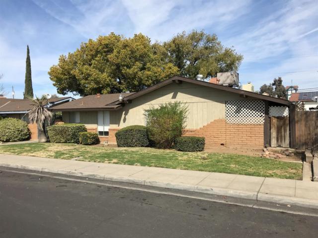 23 W Santa Ana Avenue, Clovis, CA 93612 (#498662) :: FresYes Realty
