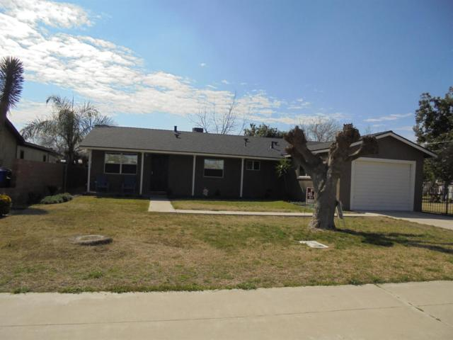 13425 S Cypress Avenue, Parlier, CA 93648 (#498763) :: FresYes Realty