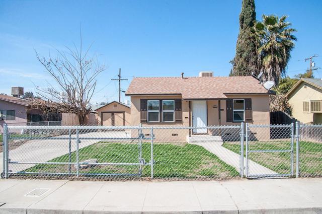 805 N Hall Street, Visalia, CA 93291 (#498869) :: FresYes Realty