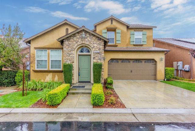 1668 N Dara Lane, Clovis, CA 93619 (#498939) :: FresYes Realty