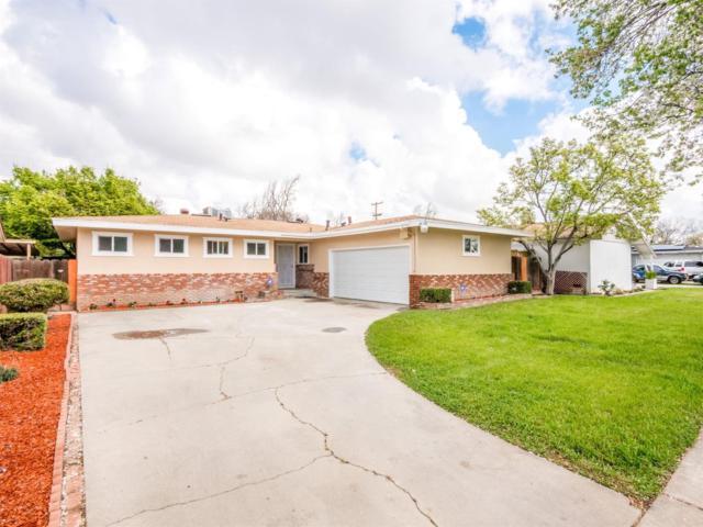 2983 E Northdale Avenue, Fresno, CA 93726 (#499115) :: FresYes Realty