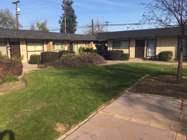 3075 N West Avenue C, Fresno, CA 93705 (#499246) :: FresYes Realty