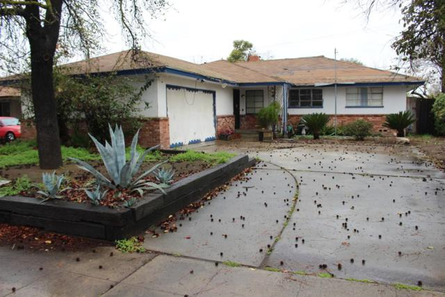 3865 N Millbrook Avenue, Fresno, CA 93726 (#499314) :: FresYes Realty