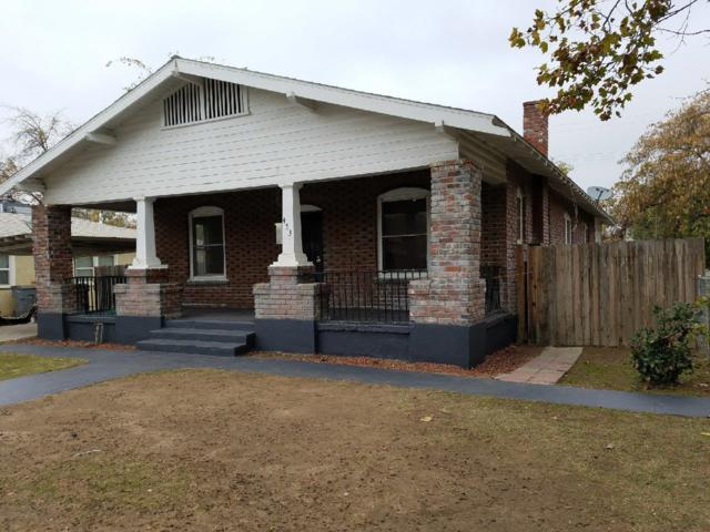 453 E Oleander Avenue, Fresno, CA 93706 (#499334) :: FresYes Realty