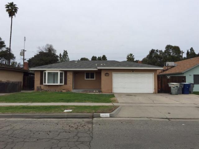 4745 E San Gabriel Street, Fresno, CA 93726 (#499394) :: FresYes Realty