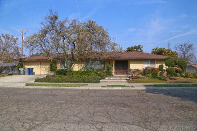4863 E Cambridge Avenue, Fresno, CA 93703 (#499435) :: FresYes Realty