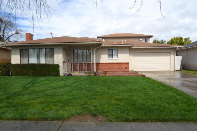 1348 W Garland Avenue, Fresno, CA 93705 (#499469) :: FresYes Realty