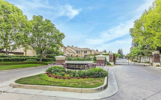 10351 N Pierpont Circle, Fresno, CA 93730 (#500795) :: FresYes Realty