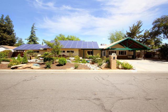 1350 W Mesa Avenue, Fresno, CA 93711 (#501092) :: FresYes Realty