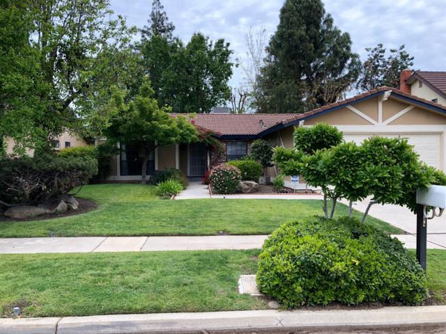 8036 N Angus Street, Fresno, CA 93720 (#501165) :: FresYes Realty