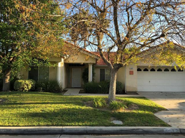 5572 W Magill Avenue, Fresno, CA 93722 (#501202) :: FresYes Realty