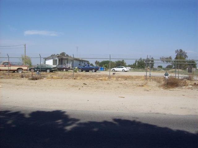 13498 S Henderson Road, Caruthers, CA 93609 (#501569) :: FresYes Realty