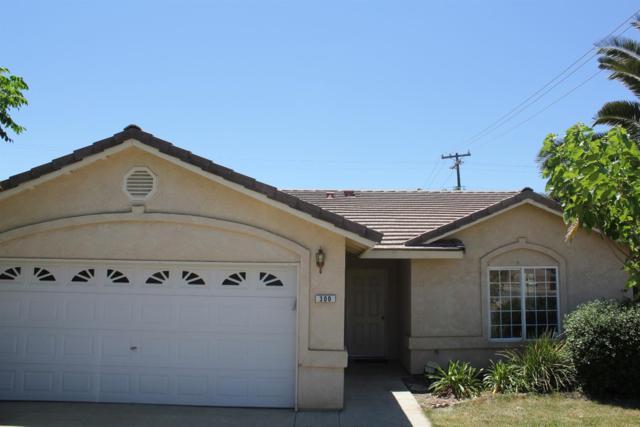 300 E Kern Street, Avenal, CA 93204 (#502927) :: Soledad Hernandez Group