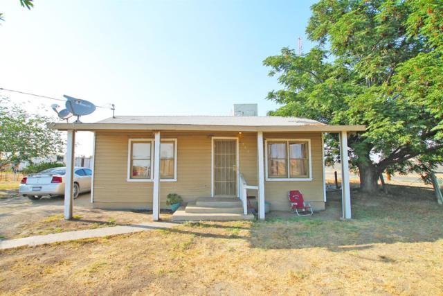 550 E Beacon Avenue, Tulare, CA 93274 (#503444) :: FresYes Realty
