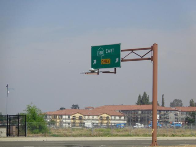 7172 E Kings Canyon Road, Fresno, CA 93727 (#504922) :: Raymer Realty Group