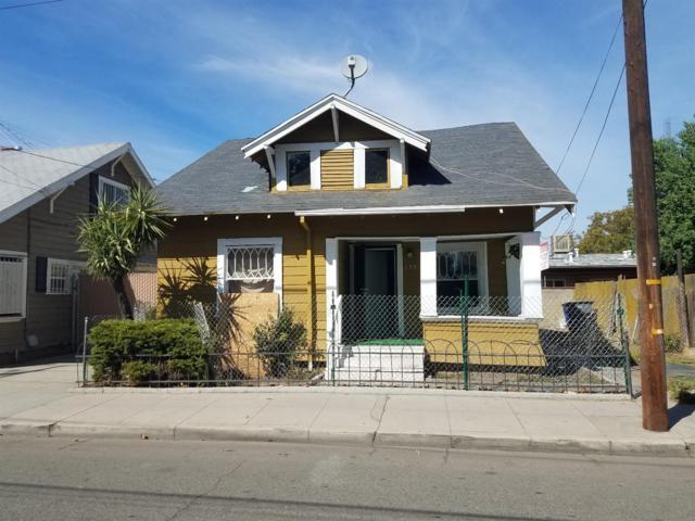 733 E Voorman Avenue, Fresno, CA 93701 (#505621) :: FresYes Realty
