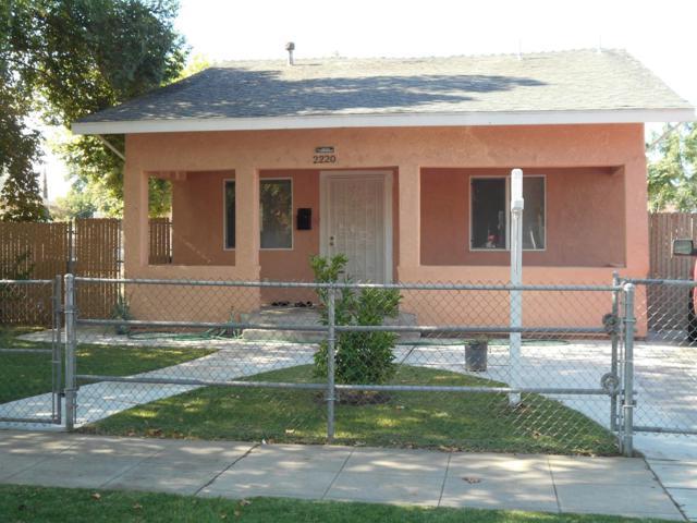 2220 E Clay Avenue, Fresno, CA 93701 (#506106) :: FresYes Realty