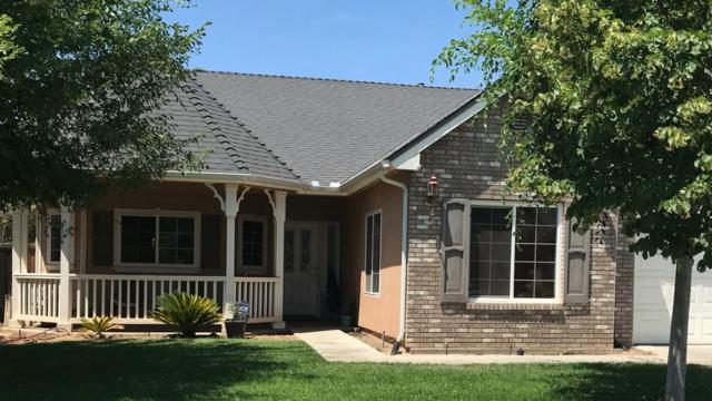 366 E Shoemake Avenue, Reedley, CA 93654 (#506153) :: FresYes Realty
