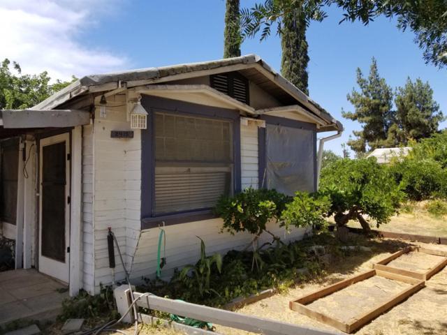 2415 W Floradora Avenue, Fresno, CA 93728 (#506207) :: FresYes Realty