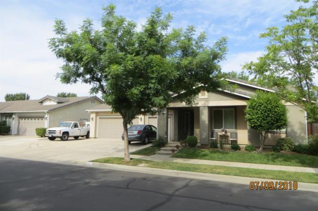 684 S Apple Avenue, Reedley, CA 93654 (#506228) :: FresYes Realty