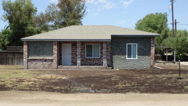 2940 E Avenell Avenue, Fresno, CA 93725 (#506258) :: FresYes Realty