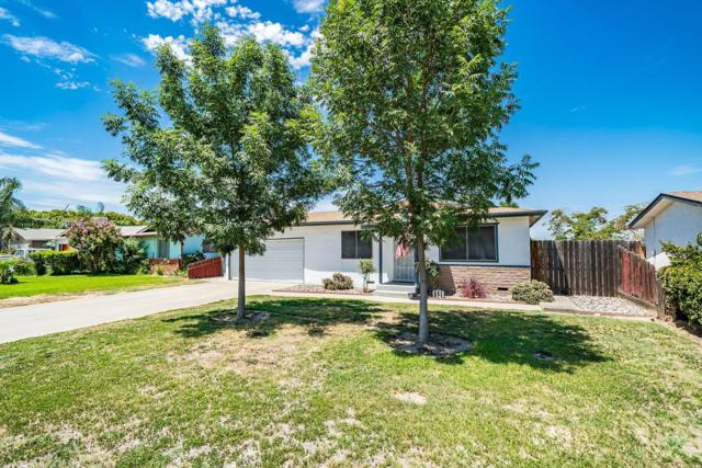 861 S Spruce Street, Tulare, CA 93274 (#506259) :: FresYes Realty