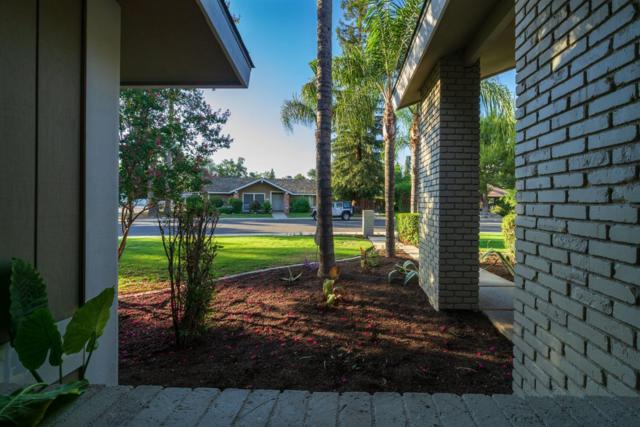 707 W Oak View Drive, Visalia, CA 93277 (#506281) :: FresYes Realty