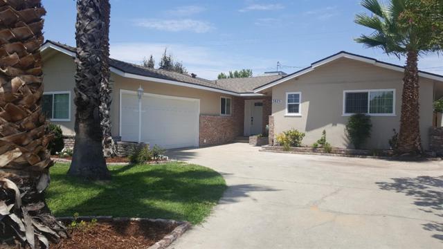 3825 E Farrin Avenue, Fresno, CA 93726 (#506406) :: FresYes Realty