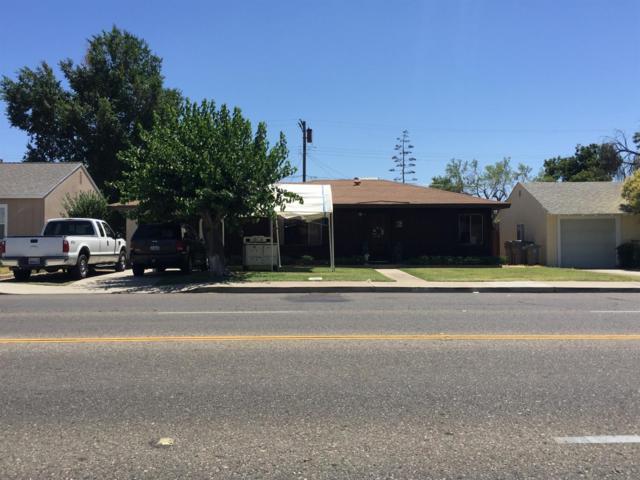 3852 E Clinton Avenue, Fresno, CA 93703 (#506425) :: FresYes Realty