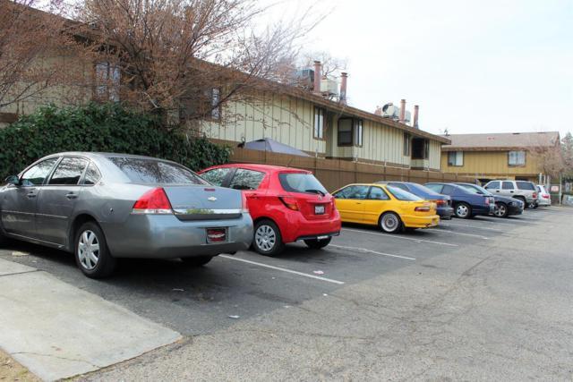 5181 E Olive #109 Avenue, Fresno, CA 93727 (#506468) :: FresYes Realty