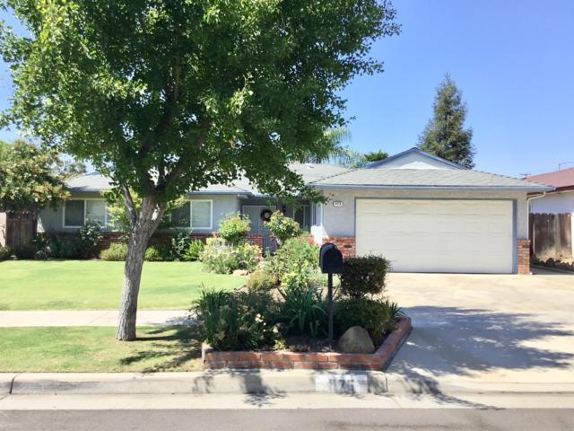 976 E Minarets Avenue, Fresno, CA 93720 (#506576) :: FresYes Realty