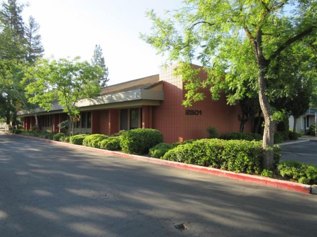 2519 W Shaw Avenue, Fresno, CA 93711 (#506596) :: FresYes Realty