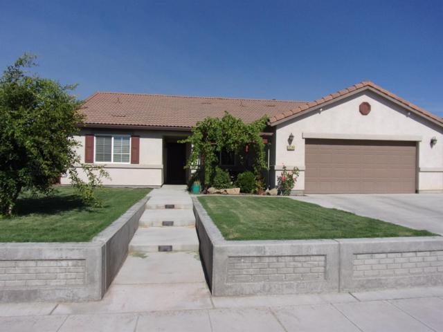 3290 N Vista Avenue, Fresno, CA 93722 (#506691) :: FresYes Realty