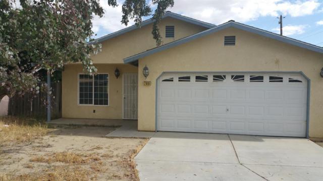708 E Shasta Street, Avenal, CA 93204 (#507888) :: Soledad Hernandez Group