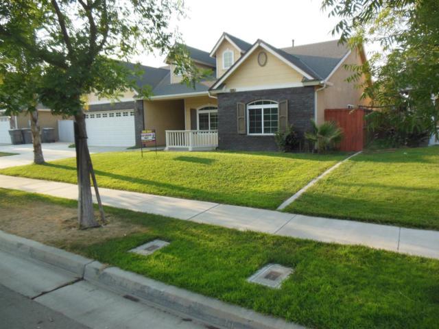 15948 W B Street, Kerman, CA 93630 (#508069) :: Soledad Hernandez Group
