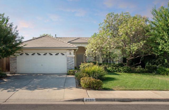 2883 E Shea Drive, Fresno, CA 93720 (#508444) :: Soledad Hernandez Group