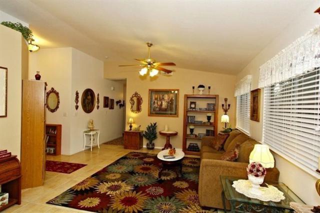 4553 N State Street, Fresno, CA 93722 (#508450) :: Soledad Hernandez Group