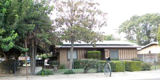 1238 W Robin Drive, Visalia, CA 93291 (#509151) :: Soledad Hernandez Group