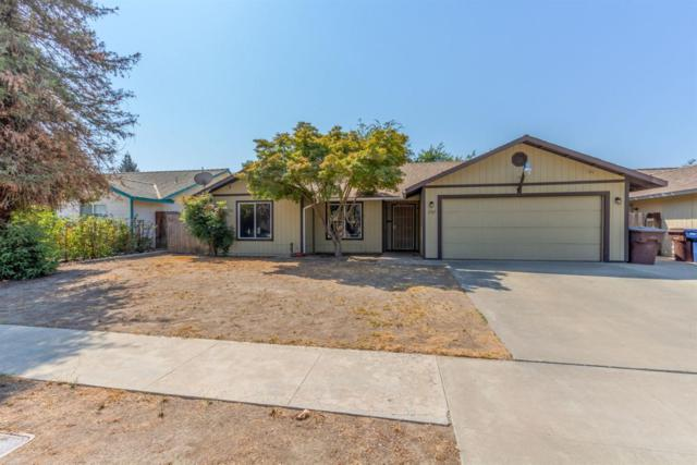 1727 E Cypress Avenue, Tulare, CA 93274 (#509771) :: Soledad Hernandez Group