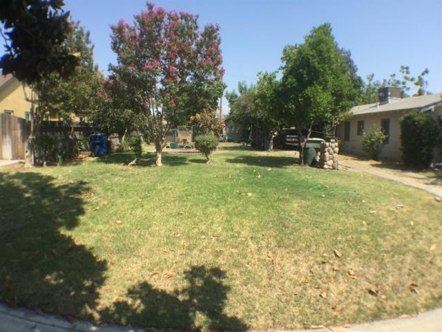1104 N Vagedes Avenue, Fresno, CA 93728 (#509776) :: FresYes Realty