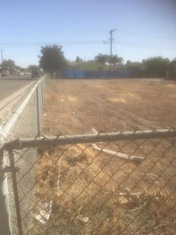 2407 Nebraska Avenue, Selma, CA 93662 (#510165) :: Soledad Hernandez Group