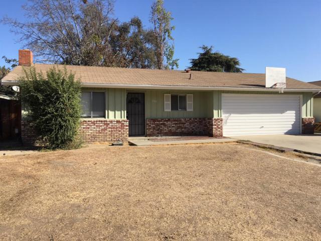 3946 W Howard Avenue, Visalia, CA 93277 (#510387) :: Soledad Hernandez Group