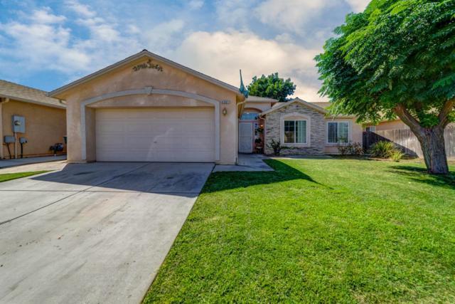 4567 W Pine Avenue, Fresno, CA 93722 (#510425) :: Soledad Hernandez Group