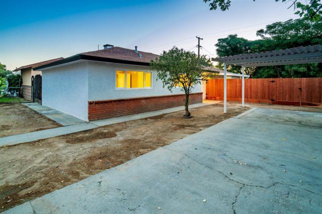2363 S Maple Avenue, Fresno, CA 93725 (#510667) :: Soledad Hernandez Group