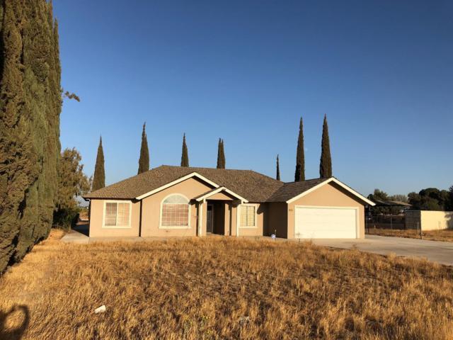 5828 S Orange Avenue, Fresno, CA 93725 (#510710) :: Soledad Hernandez Group