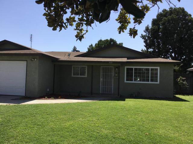 3137 W Ashcroft, Fresno, CA 93722 (#510745) :: Soledad Hernandez Group