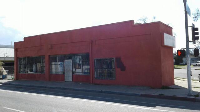 2970 Ventura Street, Fresno, CA 93721 (#510960) :: FresYes Realty