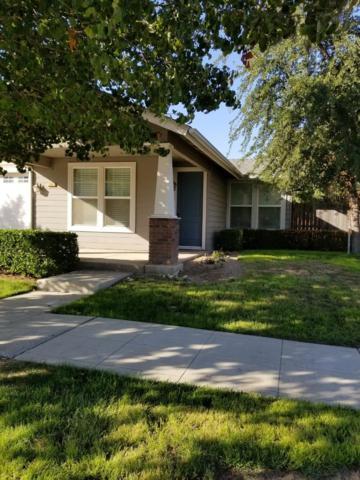 298 W Lilac Avenue, Reedley, CA 93654 (#512254) :: FresYes Realty